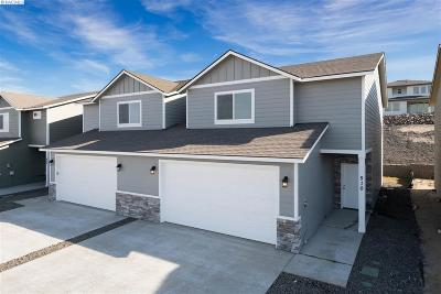 West Richland Condo/Townhouse For Sale: 510 Bedrock Loop