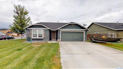 Pasco Single Family Home Active U/C W/ Bump: 6419 Penrose Point Drive