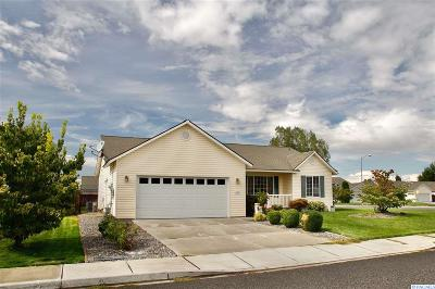 Pasco Single Family Home For Sale: 5016 Oxford Ln