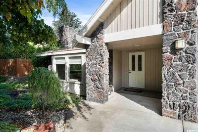 Richland Single Family Home For Sale: 220 Orchard Way