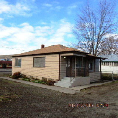 Dayton Single Family Home For Sale: 330 Main Street