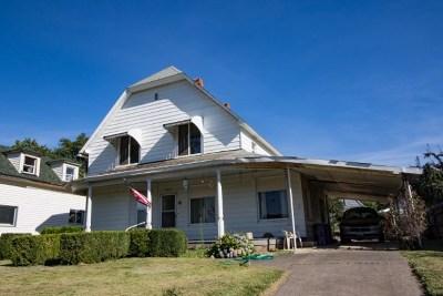 Dayton Single Family Home For Sale: 604 Main Street