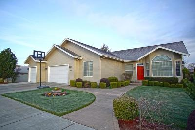 College Place Single Family Home For Sale: 833 Marine Drive