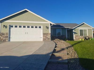 Selah Single Family Home For Sale: 705 Braeburn Ct