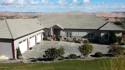 Selah Single Family Home For Sale: 130 Marisa Hill Rd