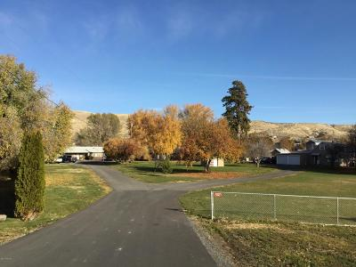 Naches Multi Family Home For Sale: 10683 Us-12
