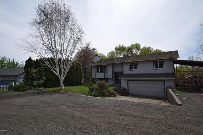 Selah Single Family Home For Sale: 240 Kinne Ln