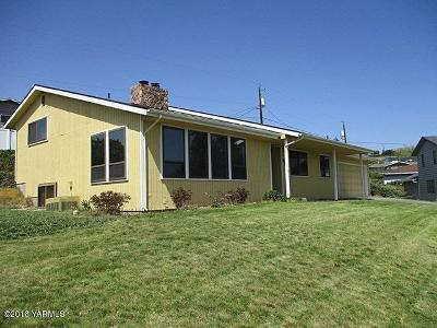 Yakima Single Family Home For Sale: 506 Englewood Pl
