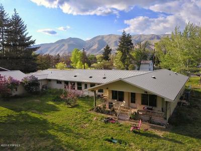Naches Single Family Home For Sale: 10700 Us 12 Hwy