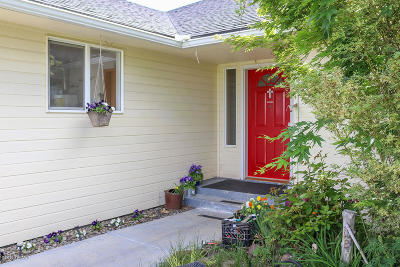 Yakima Single Family Home For Sale: 700 Pheasant Crest Dr