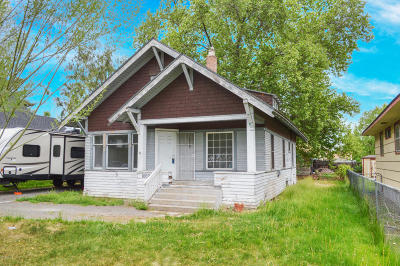 Yakima Single Family Home Contingent: 1009 S 9th Ave