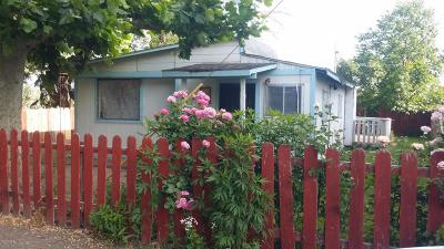 Yakima Single Family Home For Sale: 420 E Q St