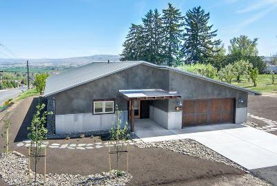 Selah Single Family Home For Sale: 807 Selah Vista Way #Lot 3