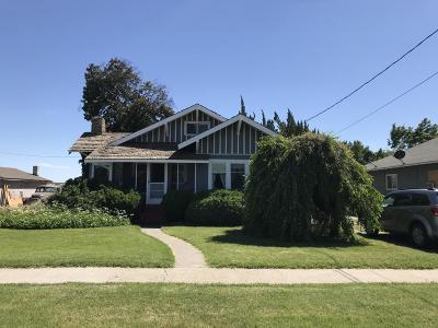 Sunnyside Single Family Home For Sale: 621 Harrison Ave
