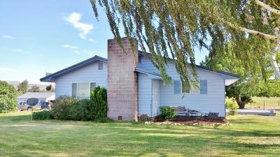 Selah Single Family Home For Sale: 570 Buchanan Rd