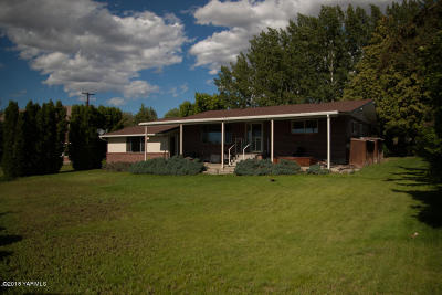 Yakima Single Family Home For Sale: 208 S 49th St