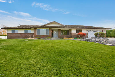 Yakima Single Family Home For Sale: 81 Leininger Dr