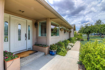 Yakima Single Family Home For Sale: 616 Country Club Dr