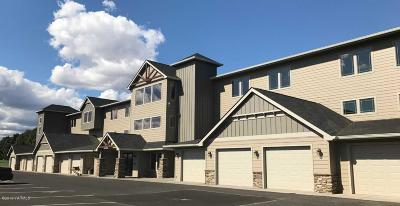 Yakima Condo/Townhouse For Sale: 8905 Occidental Rd #303