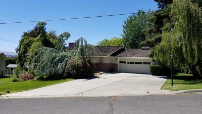 Yakima Single Family Home For Sale: 306 N 70th Ave