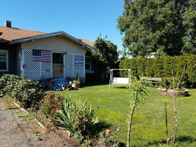 Yakima Single Family Home Contingent: 2602 Castlevale Rd