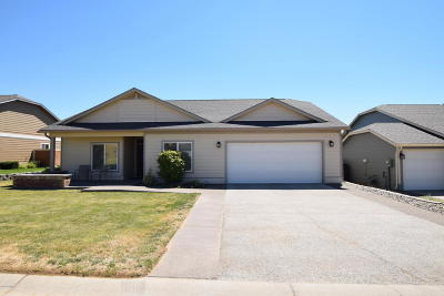 Yakima Single Family Home For Sale: 4002 Seasons Pky