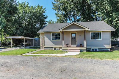 Zillah Single Family Home Contingent: 104 3rd Ave