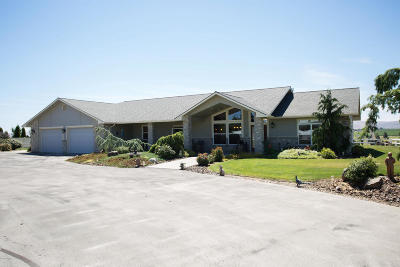 Yakima Single Family Home For Sale: 11906 Barrett Rd