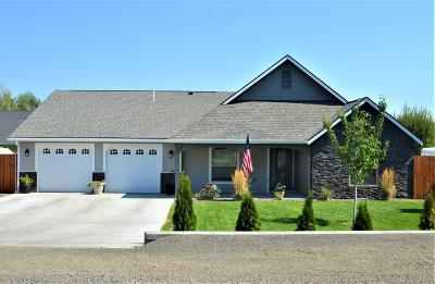 Yakima Single Family Home Contingent: 903 S 80th Ave