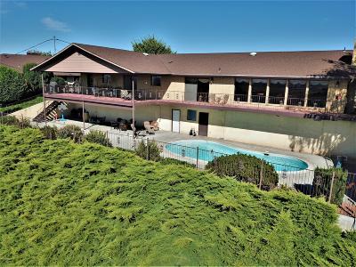 Sunnyside Single Family Home For Sale: 729 Skyline Dr