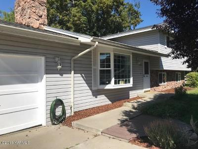 Selah Single Family Home Ctg Financing: 220 Herlou Dr