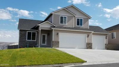 Selah Single Family Home For Sale: 1400 Valhalla Lp