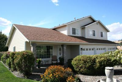 Selah Single Family Home For Sale: 220 Kodiak Rd