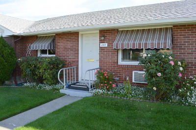 Yakima Condo/Townhouse For Sale: 243 N 38th Ave