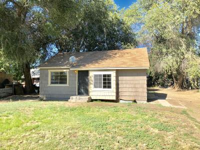 Wapato Single Family Home For Sale: 121 Home Acres Rd