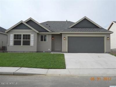 Sunnyside Single Family Home For Sale: 1306 Centennial Ave