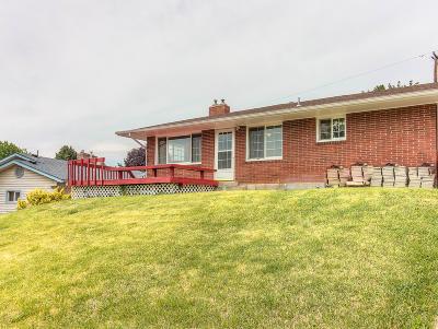 Selah Single Family Home For Sale: 504 N 2nd St