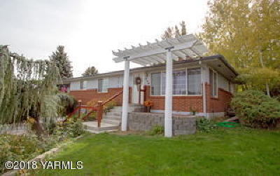 Selah Single Family Home For Sale: 906 W Naches Ave