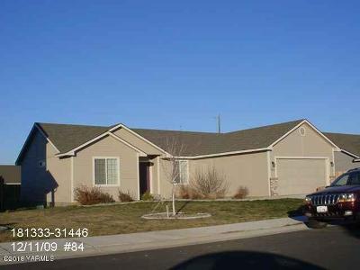 Yakima Single Family Home Contingent: 5805 Whatcom Ave