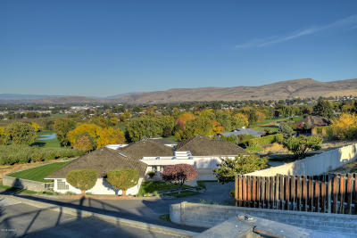 Yakima Single Family Home For Sale: 732 Country Club Dr