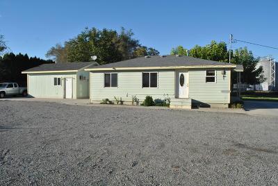 Grandview WA Single Family Home For Sale: $210,000