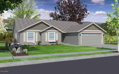 Yakima Single Family Home For Sale: 417 S 38th St #100
