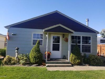 Yakima Single Family Home Contingent: 1008 Landon Ave