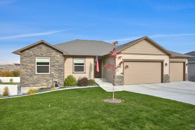 Selah Single Family Home Ctg Release Clause: 1281 W Goodlander Rd