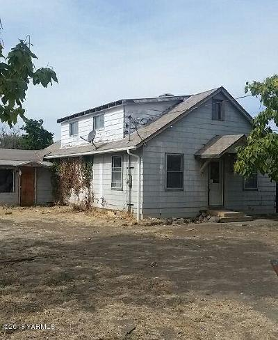 Yakima Single Family Home For Sale: 704 N 20th Ave