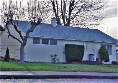 Sunnyside Single Family Home For Sale: 225 W Lincoln Ave