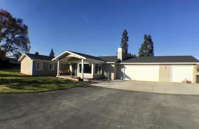 Yakima Single Family Home For Sale: 120 Green Meadows Dr