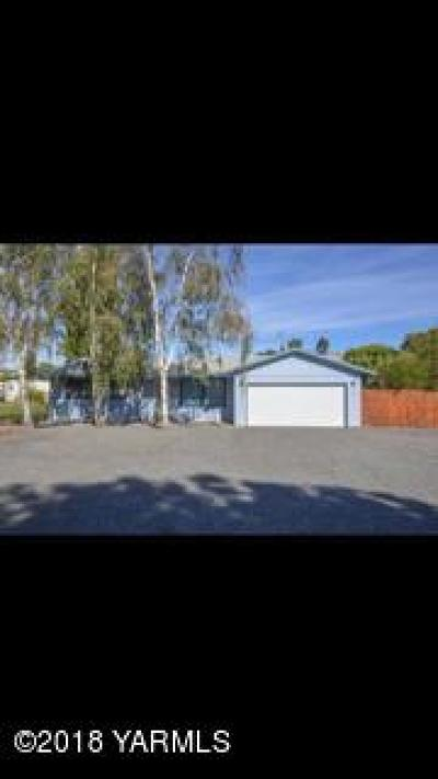 Yakima Single Family Home For Sale: 11912 Wide Hollow Rd