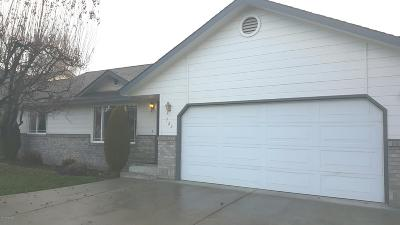 Yakima Condo/Townhouse Contingent: 725 S 73rd Ave