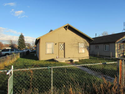 Yakima Single Family Home For Sale: 619 S 12th St